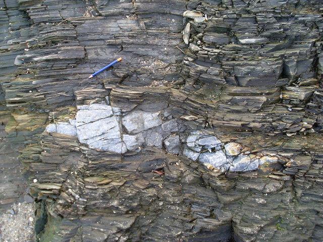photo http://www.aquariophilie.org/images/article/L_usage_des_pierres_en_aquariophilie_a01282210_2.jpeg