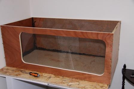 photo http://www.aquariophilie.org/images/article/La-creation-d-un-bac-en-bois_a01311656_1.jpeg