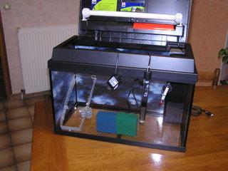 photo http://www.aquariophilie.org/images/article/Le_cyclage_d_un_bac_neuf_avec_l_aide_des_bacteries_par_l_atelier_de_l_Association_Aquariophilie_org_a01161629_0.jpeg