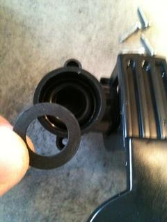 photo http://www.aquariophilie.org/images/article/Reparation-fuites-d-une-pompe-filtre-externe-Tetratec-EX-1200_a02231058_9.jpeg